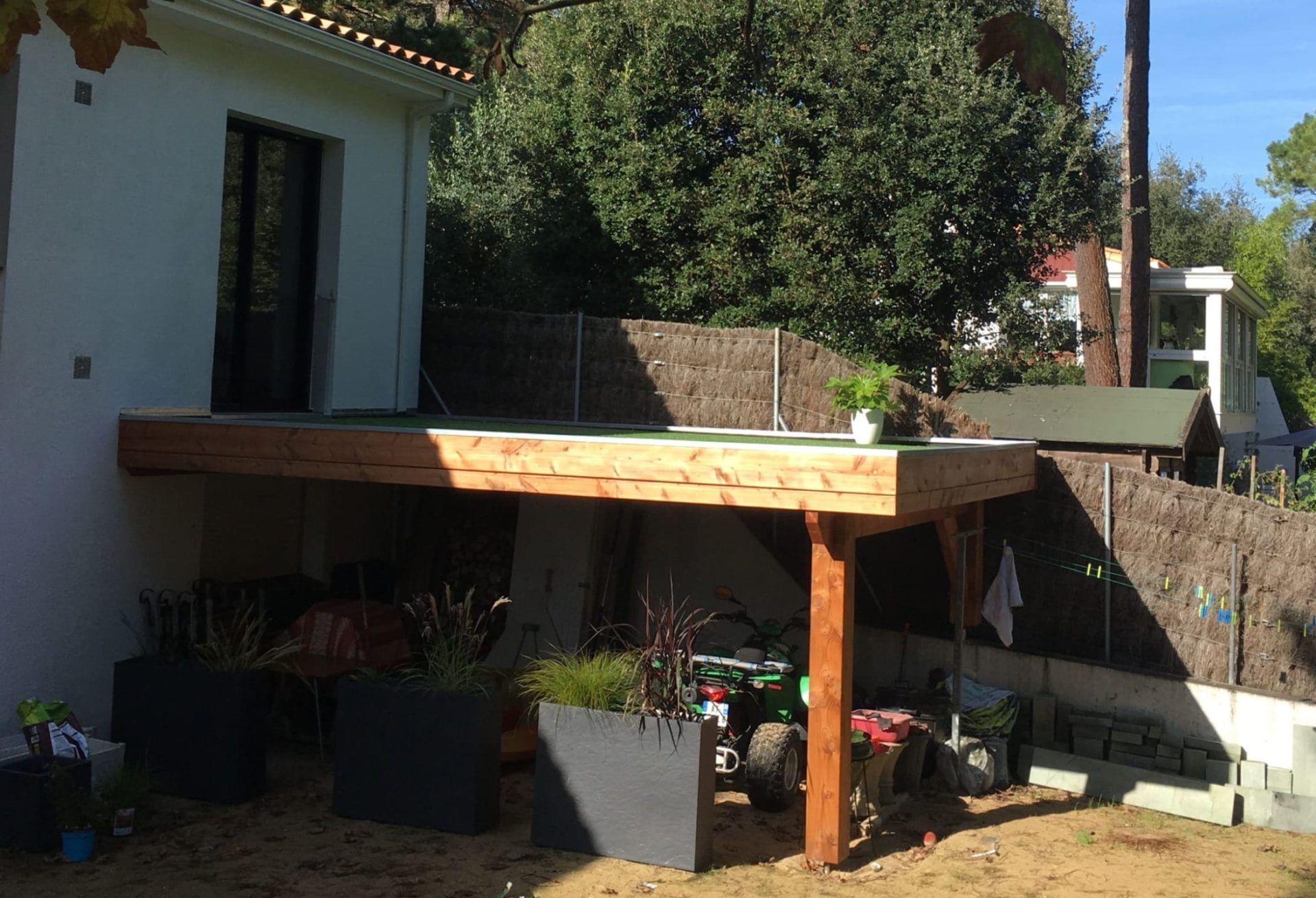 terrasse-exterieur-abri-jardin-bois-vendée
